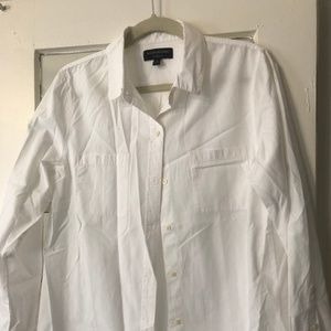 NWOT Boyfriend-Fit Banana Republic White Shirt